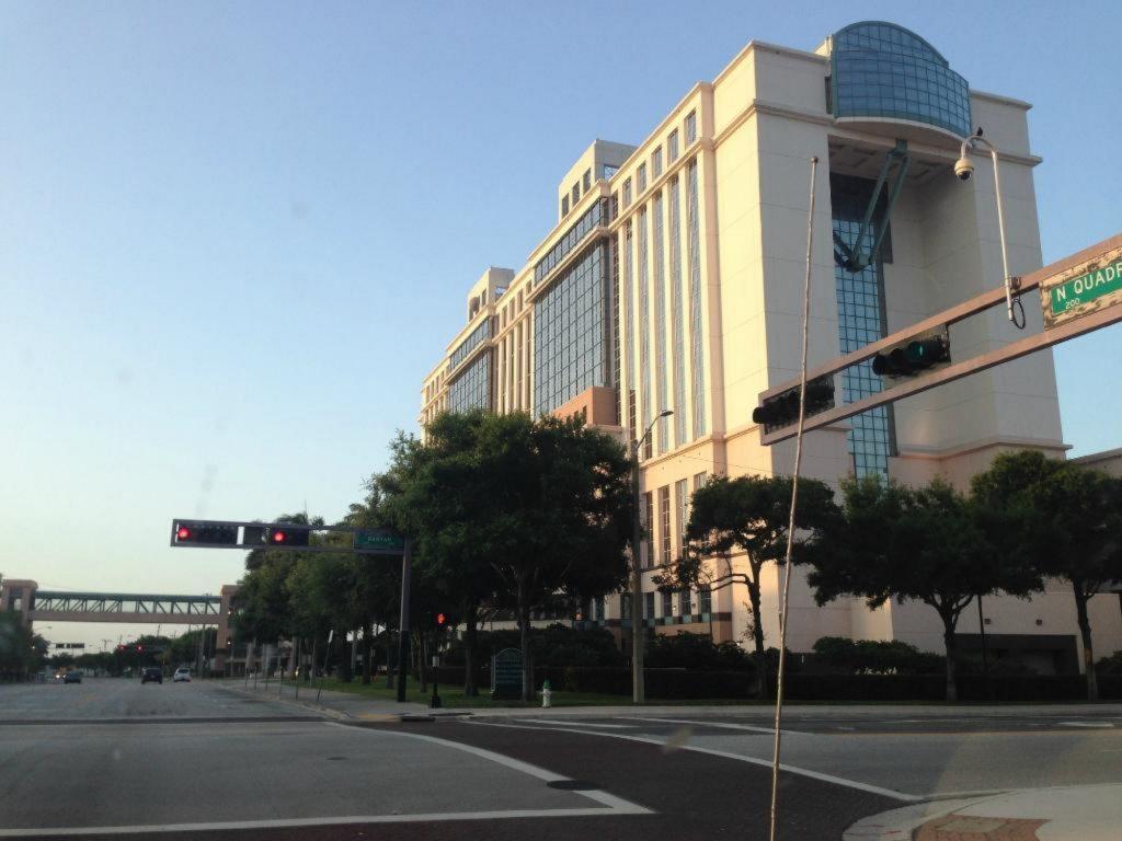 West Palm Beach Court House